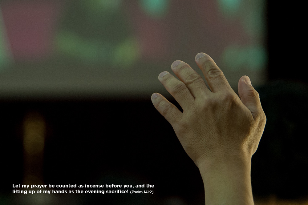 Hands-Worship-hand